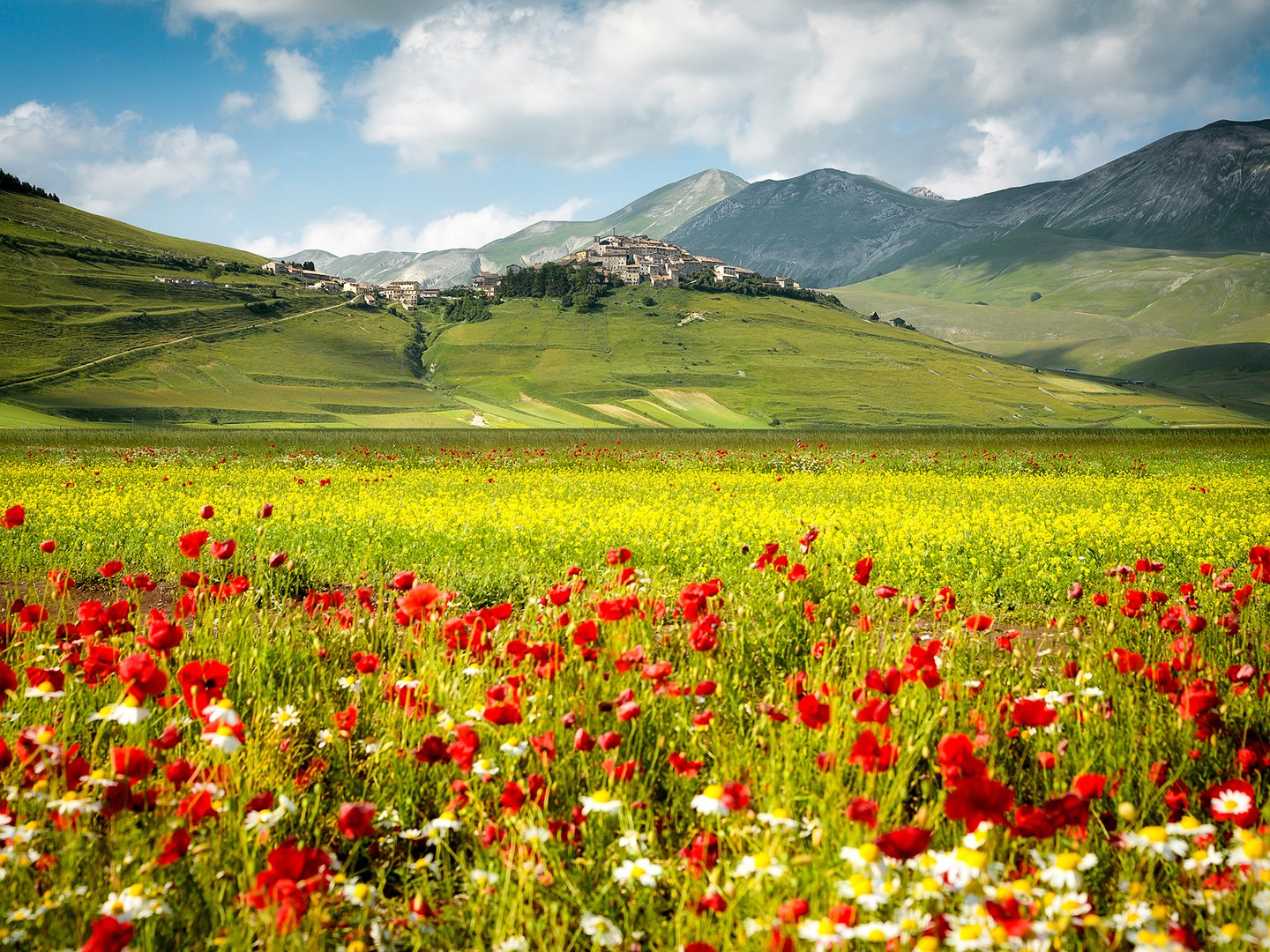 small-towns-italy-Castelluccio-cr-getty